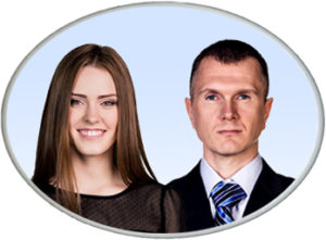 ovalna fotokeramika s dva portreta u boji s bijelim rubom
