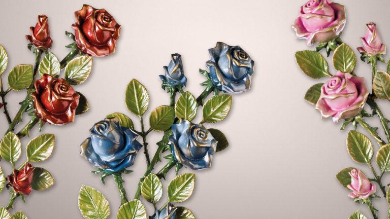 crvena, plava i roza ruža za nadgrobne spomenike u boji